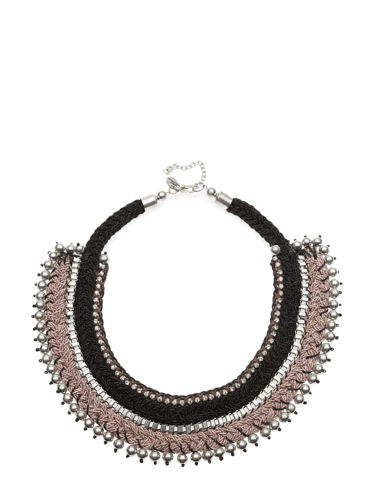 3 stora halsband som tar din stil från vardag till fest  064cc9f40bf87