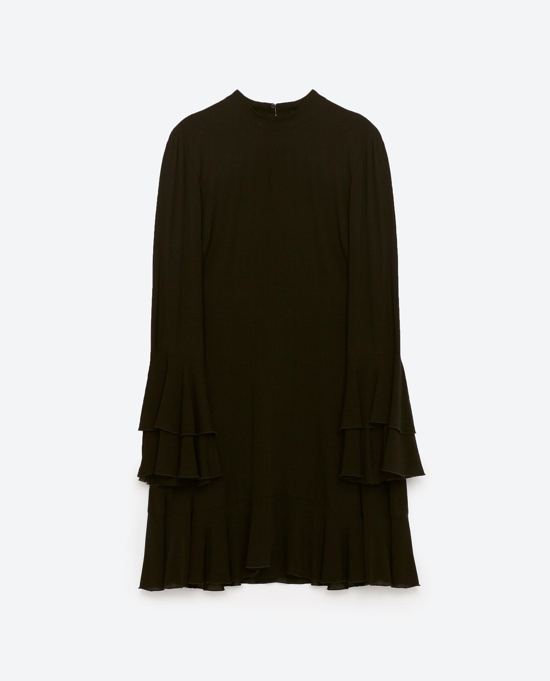 Svart klänning med volang