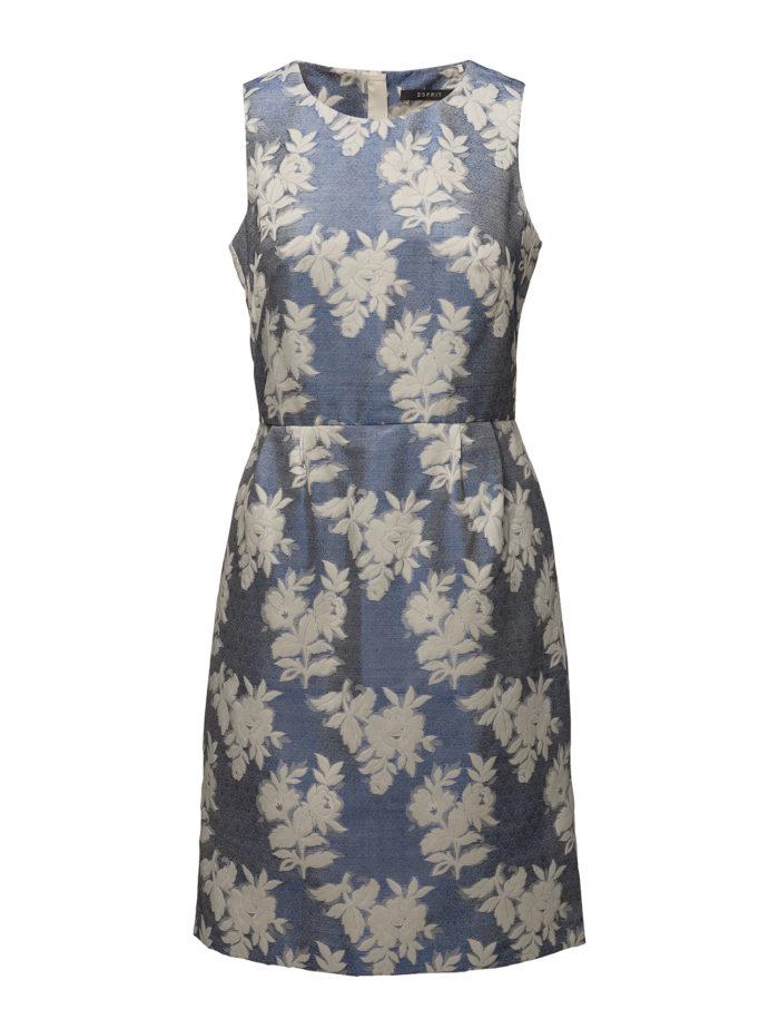 aa2841557faf Rödrandig klänning med smala band från Filippa K, läs mer och köp här.