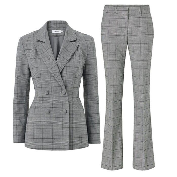 Rutig kostym från Stylein x Isabella Löwengrip