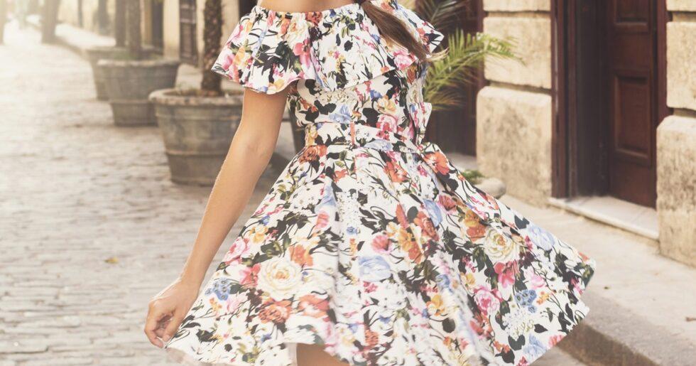 2c6c3bdfecd8 17 romantiska klänningar vi vill leva i hela sommaren | Femina