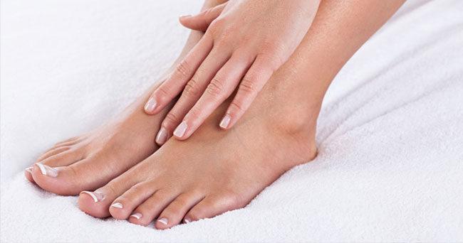 ont under fötterna reumatism