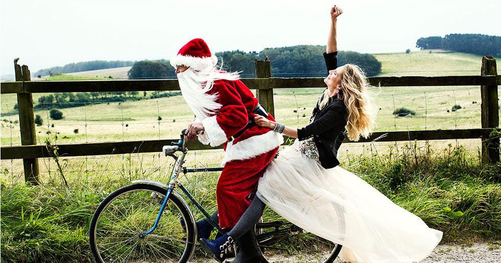 Delta och vinn lyxiga julklappar med Feminas julkalender!  dbd40f2628a29