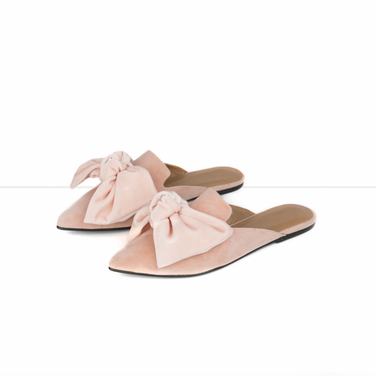 82b206918791 Inlägget innehåller annonslänk Det här är nog det finaste paret skor jag  har sett på länge. Jag kan inte hantera hur fina dom är.